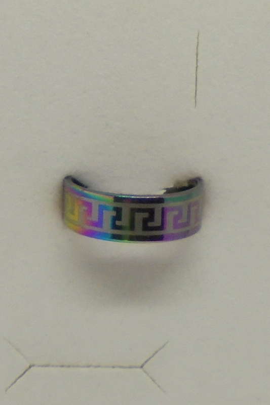 Edelstahl Ring regenbogenfarben mit umlaufendem Motiv
